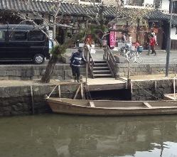 倉敷美観地区の川掃除