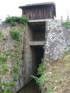 パナマ運河より240年前の水門
