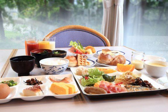和洋の多彩なメニューから選べる、心にも体にも美味しいご朝食をどうぞ。