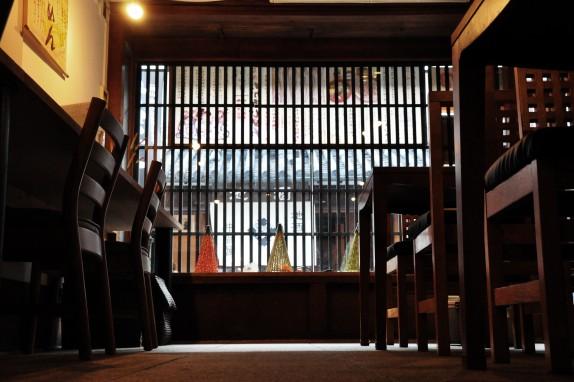 古い旅館を改装した店内は、ほっと落ち着ける空間。