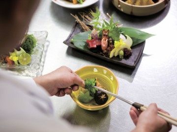 四季の味を演出する創作料理(季節毎に内容は変わります)。