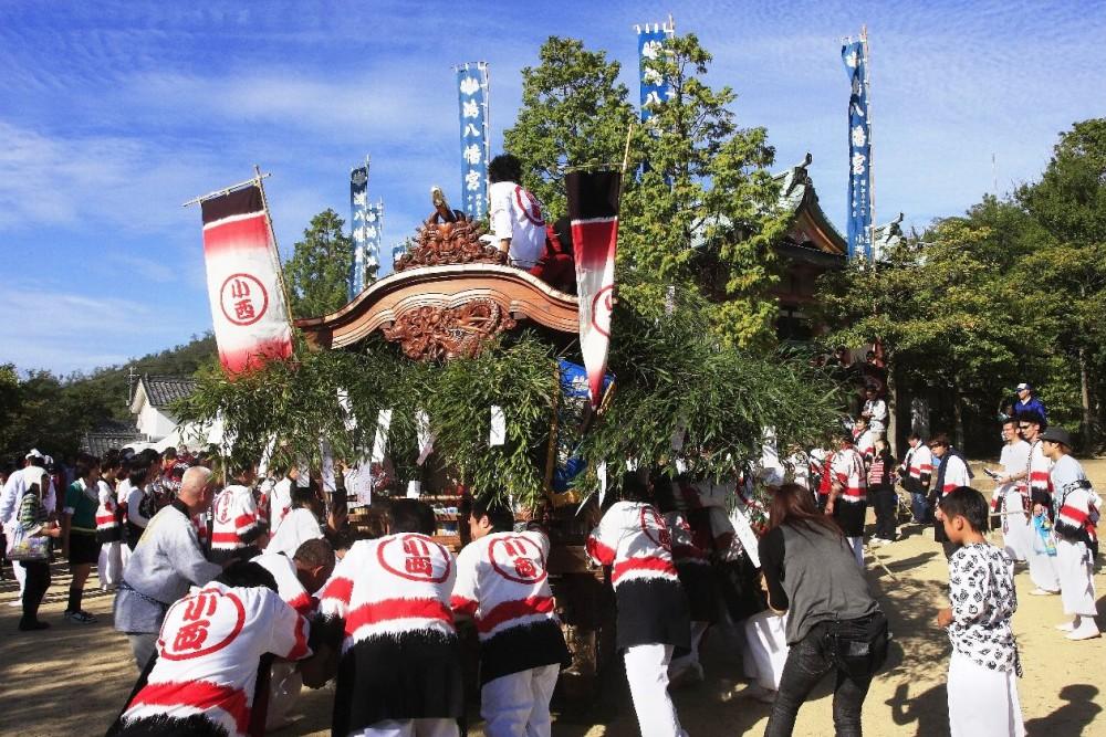 鴻八幡宮例大祭(しゃぎり)の写真1