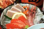 地元の魚を刺身でお楽しみください