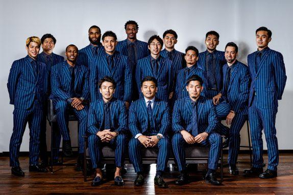 プロバスケットボールリーグ(Bリーグ)の『トライフープ岡山』のオフィシャルスーツをプロデュース。