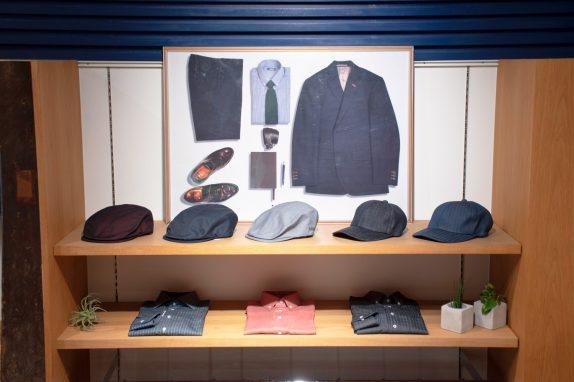 帽子やシャツなどラインナップも充実。